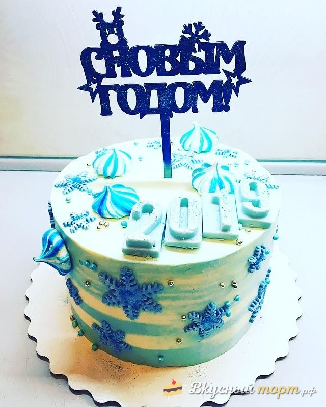 Праздничный торт на новый год